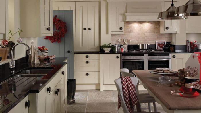 Langham Alabaster - Chunky shaker design, view 1